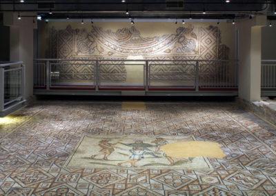 tappeti-di-pietra-pavimento-stanza-emblema-danza-geni